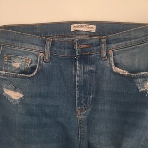 Zara jeans slightly distressed with frayed hems